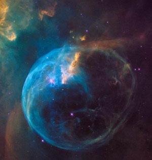 哈勃望远镜26周年纪念拍气泡星云