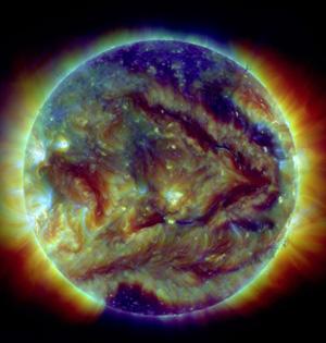 NASA发布最新太阳耀斑图神奇壮观