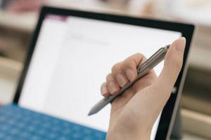 专家:学生在课堂使用笔记本可提升成绩