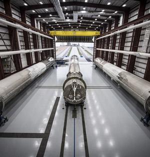 SpaceX回收火箭仓库内景曝光