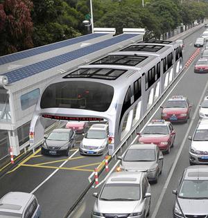 高架巴士亮相:上方行驶改变堵局