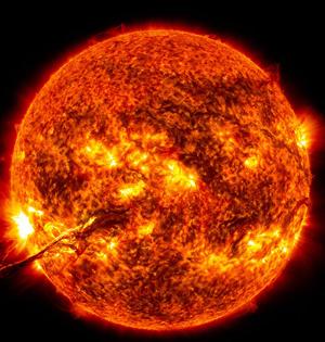 科学家首次观测太阳全新物理现象