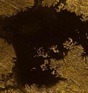 土卫六峡谷充满液态碳氢化合物