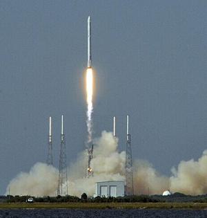 SpaceX火箭再次成功实现海上降落