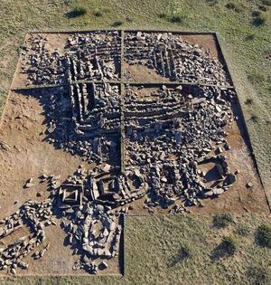 哈萨克斯坦发现史前金字塔