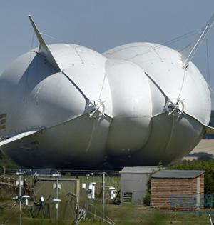 全球最大飞行器首次试飞成功