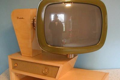 这不是电脑!全球脑洞打开的旋转电视机