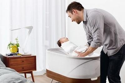 新爸新妈安心睡 智能婴儿床让你们倍感轻松