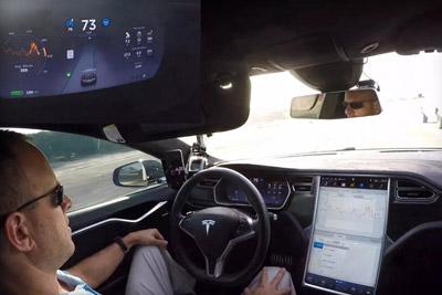 特斯拉禁止无人驾驶加入Uber网络 或推出汽车共享服务