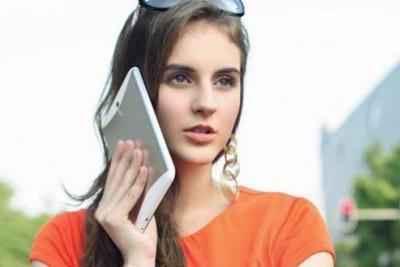 体验可媲美平板 5.7英寸起大屏手机推荐