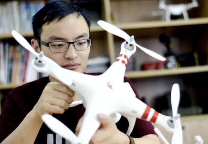 大疆董事长:汪滔上学时做无人机经费只有3千元