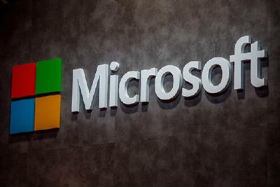微软新专利暗示:Surface Pro 5或实现双屏幕链接