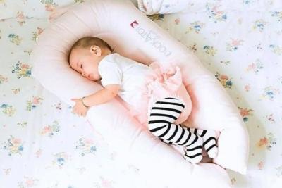 宝宝尿了 第一时间知道的竟然是一张床