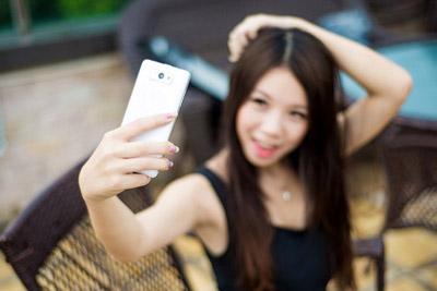 美女们看过来 前置高像素自拍手机盘点