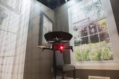 给空气净化器插上翅膀:世界第一台空净无人机
