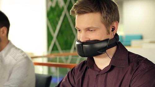 这可能是最奇葩蓝牙耳机 充满浓浓的SM风味