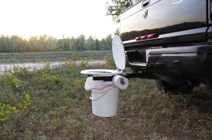 开车内急别慌 警察给你划好了如厕专用停车位