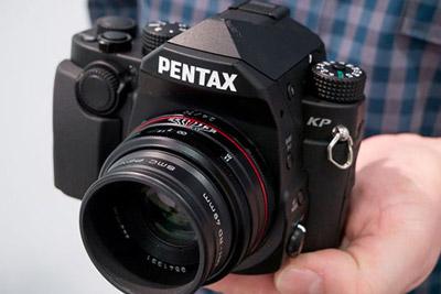 为什么厂商热衷于开发APS-C画幅的相机?