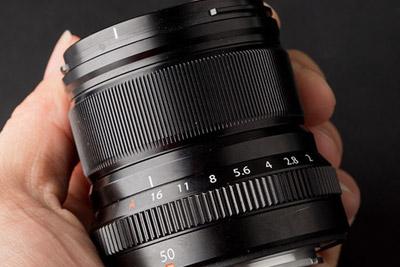 原来大光圈镜头也可以这么小 富士50mm F2评测