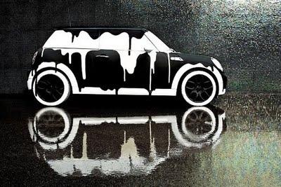 今后不用洗车了?车身污渍竟变身超清艺术画