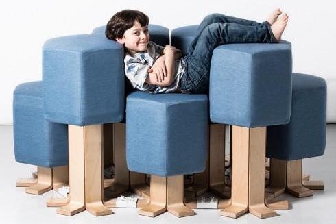 随意升降变形的智能沙发 熊孩子玩上了瘾