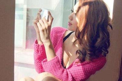 款款都是自拍机 盘点哪些适合女生的时尚手机
