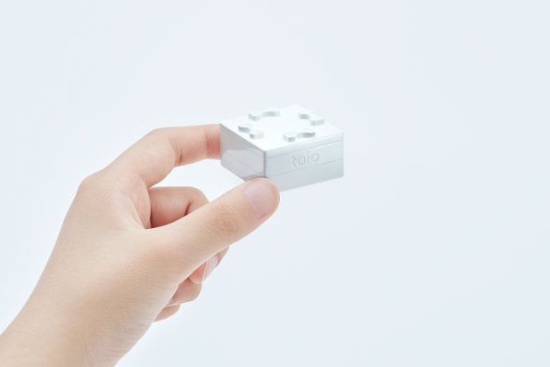 Sony推出极简风智能机器人
