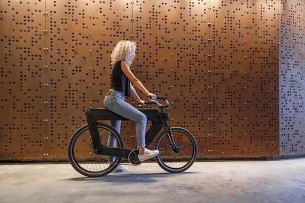 双人木架自行车 骑行社交两不误