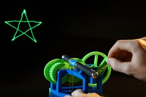 学霸才能玩的人工3D激光投影