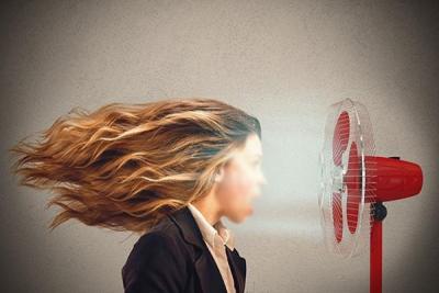 消暑也需注意节制 直吹风扇分分钟导致面瘫