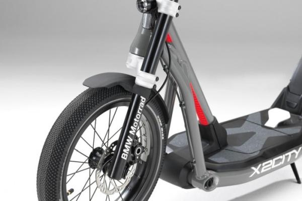解决最后1公里 宝马的X2City电动自行车开售了
