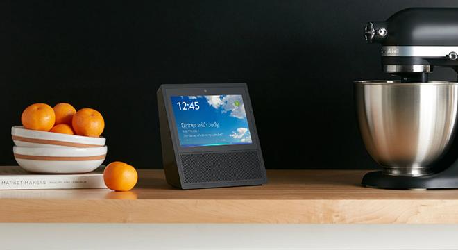 智能音箱加15寸屏幕?画风偏了吧