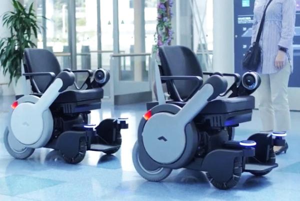 行动不便人士新福利 电动轮椅都能自动驾驶了