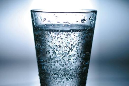 自己做饮料更简单 有了它随时随地喝上气泡水