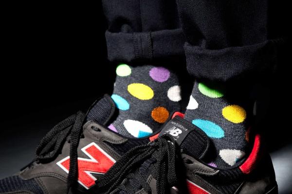 是什么神秘力量 让袜子成了时尚圈销量扛把子?