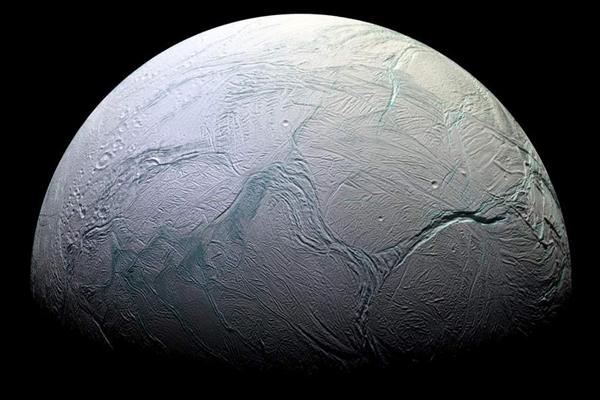 21张由卡西尼号拍摄的壮丽土星照