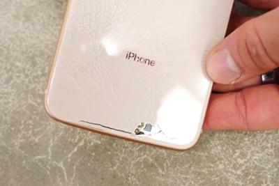 一摔必碎 外媒指出iPhone 8玻璃背壳太脆弱