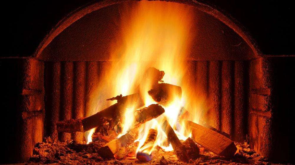 智能无烟火炉 给你温暖的同时还能为手机充电