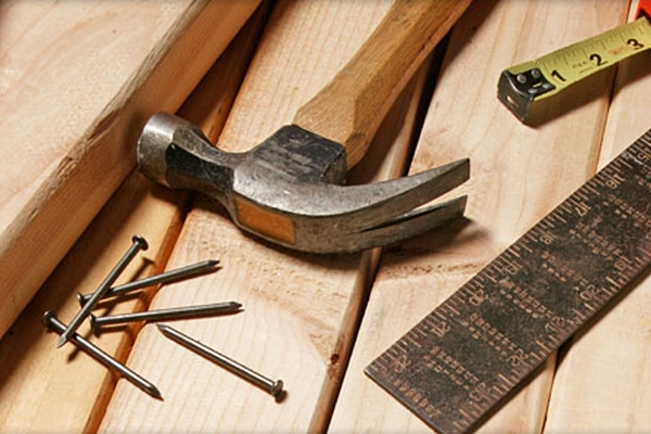 有了这个全自动切割机 做个木匠不要太容易