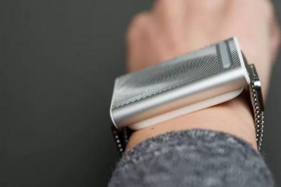 这款手表竟能自动调节人体温度 秒变腕上小空调