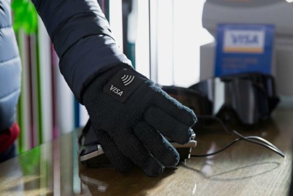 """戴上这双NFC手套 冬天付钱时再也不""""冻手""""了"""
