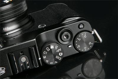 富士新机透视图曝光 或为新款X-A5相机
