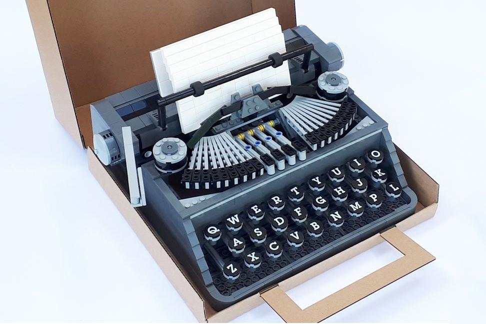 满满的复古风 真实尺寸乐高打字机来了