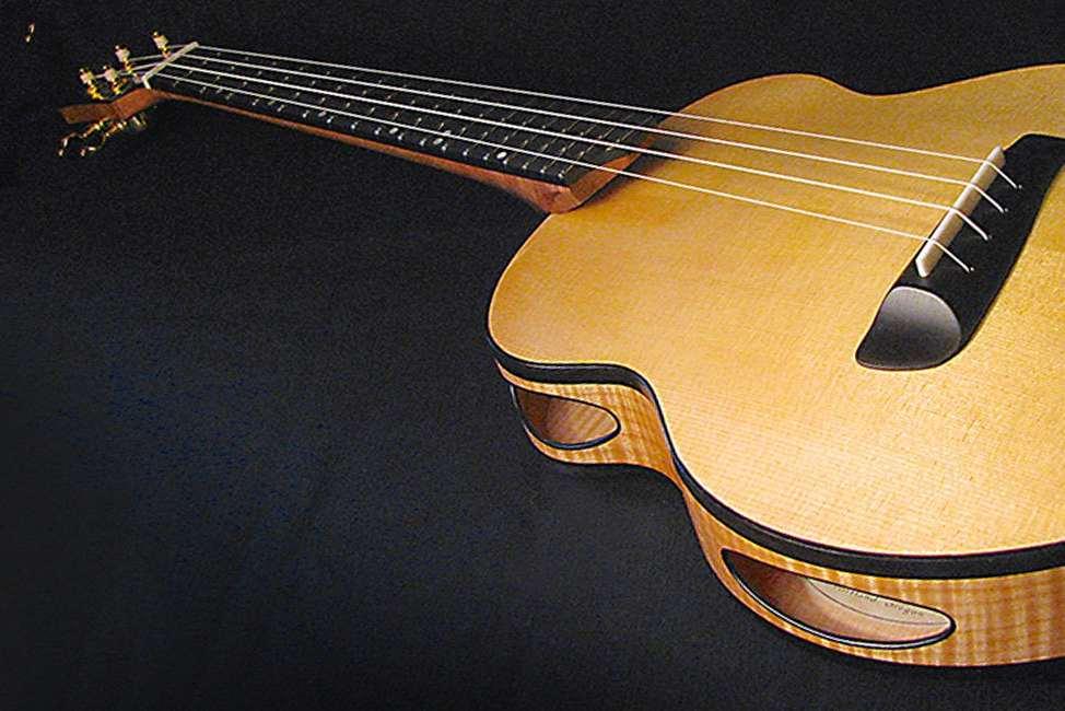 音孔設在側面的新型吉他