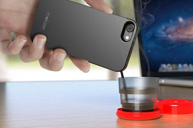 喝咖啡吗?用手机壳冲的那种