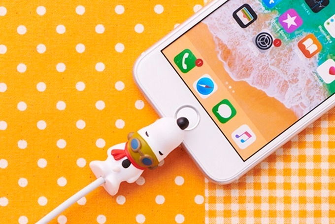 日本推出史努比官方数据线咬线器:外观萌翻