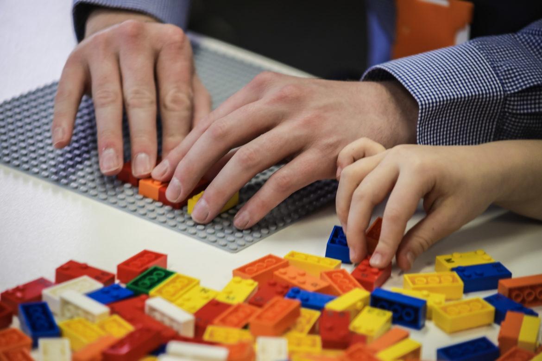 乐高盲文积木:视障儿童也能通过游戏探索世界