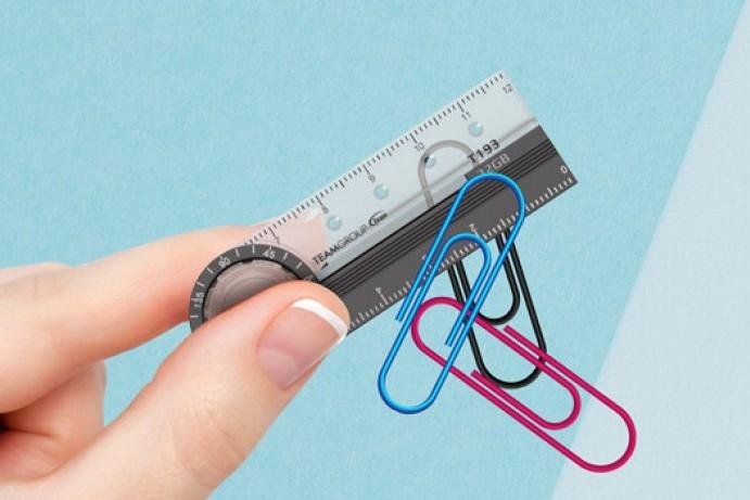 创意U盘:集合直尺、放大镜、磁铁功能