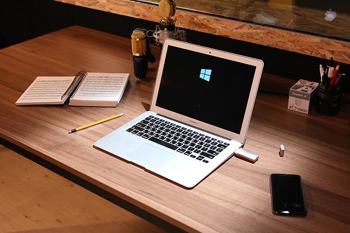 想在MacBook上吃鸡?这个U盘能做到