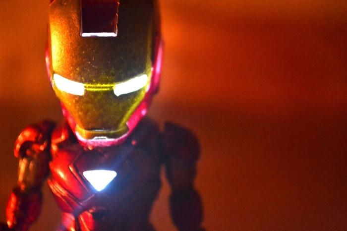 穿上变身钢铁侠 漫威复仇者英雄仿真套件来了